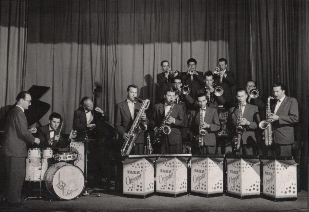 Das Tanzorchester Astoria aus Neugersdorf, 1959 während einer Konzertreise in Wien.