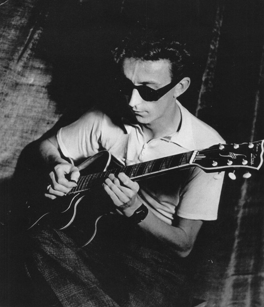 Der Gitarrist und Sänger Fritz Urban (1924-1983), um 1950